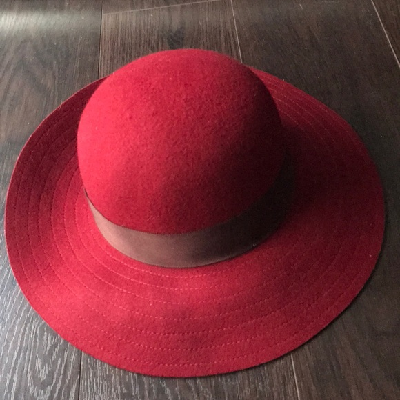 Lucky Brand Accessories - Lucky Brand ladies burgundy felt hat